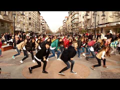 Gangnam Mo style flash mob Sofia, Bulgaria, Movember 2012 강남스타일 플래시몹 2차1080p H 264 AAC