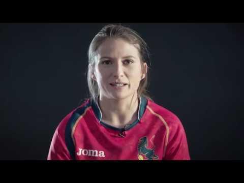"""""""Eres poco femenina"""". El vídeo de la selección femenina de rugby contra el sexismo en el deporte"""