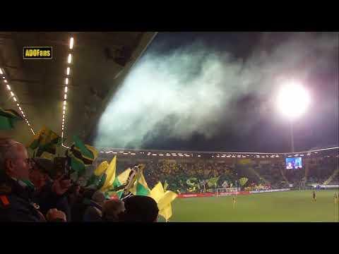 Publiek in het Cars Jeans stadion zingt O, O, Den Haag