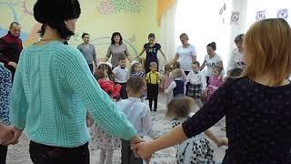 """Танец-игра с мамами в детском саду """"Ищи маму"""" (муз.композиция КУ-ЧИ-ЧИ)"""