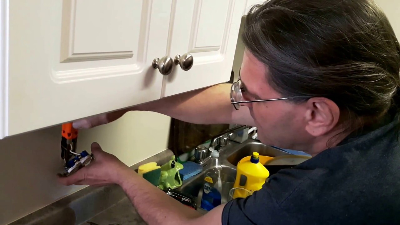 Replacing Kitchen Counter Receptacle With Gfci Youtube Removing The Old Gfi Outlet