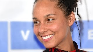 5 Reasons Alicia Keys STOPPED Wearing Makeup!