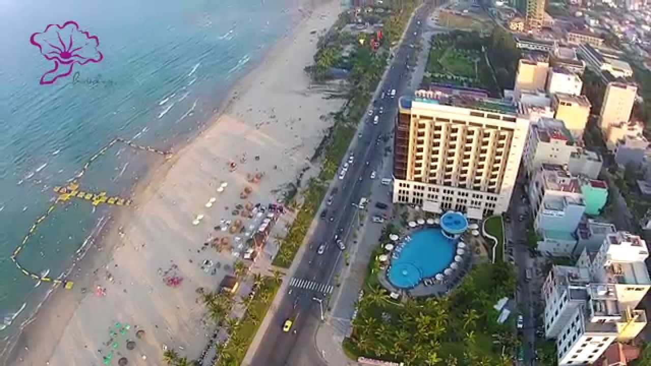 Holiday Beach Danang Pier 2017