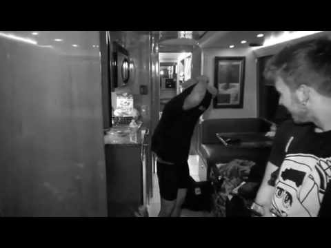 Austin Mahone #TourLife Episode 3 - New Music & Shopping with the Foolish Four