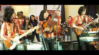 Penyanyi Muda (Koes Plus) ★ T-Koes Band @ Plaza Blok M (31/07)