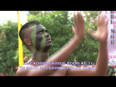 PERAGAAN DLM RANGKA HUT KORPS BRIMOB POLRI KE-71 DI MAKO SATUAN BRIMOB POLDA JAMBI