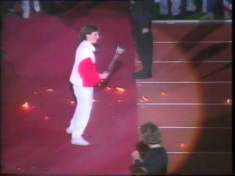 Sheffield World Student Games, Don Valley Stadium - Helen Sharman drops flame (Short Version)