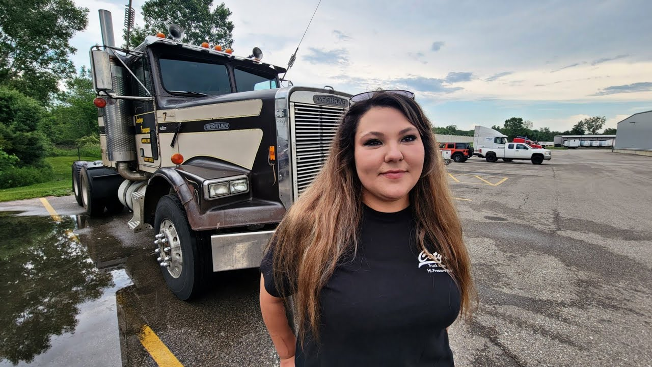 Take A Ride With Me In My 1988 Freightliner FLC, I Started Heavy Haul Trucking At 21 Years Old