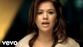 Смотреть клип Kelly Clarkson - The Trouble With Love Is