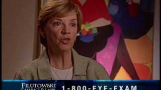 Doctor Konrad Filutowski explains the patients vision recovery after Cataract Eye Surgery Orlando