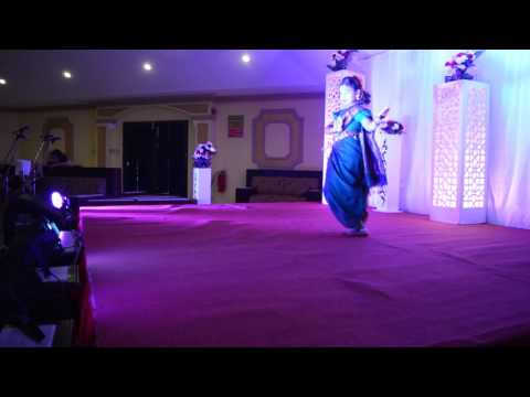 bollywood movie English Vinglish ..wedding song navrai majhi..... dance performance ...by diya