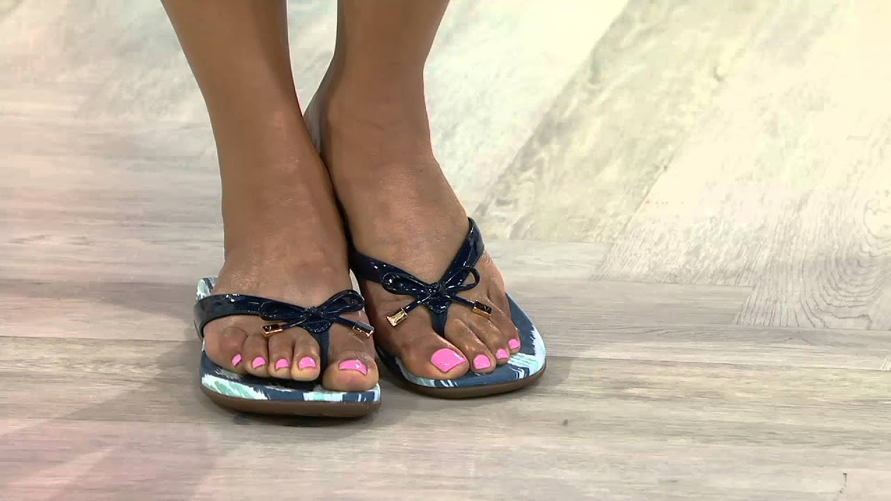 51a221eff5bf Vionic Orthotic Thong Sandals with Bow Detail - Bella Ikat on QVC ...