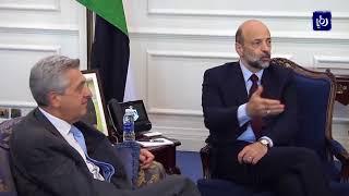 رئيس الوزراء يؤكد ضرورة دعم الأردن لتقديم الخدمات للاجئين السوريين