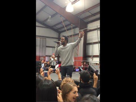 "Kendrick Lamar Performs ""Alright"" at High Tech High School in NJ"