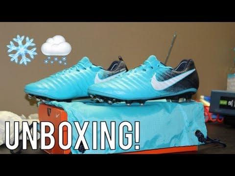 Nike Tiempo Legend 7 Ice Pack - Unboxing - YouTube c765cbdb230
