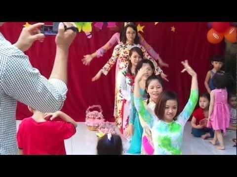 123456789-Cô Giáo trường Mầm Non Ngôi Sao Việt múa