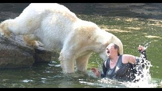 Самые Жестокие нападения Хищников в Зоопарках