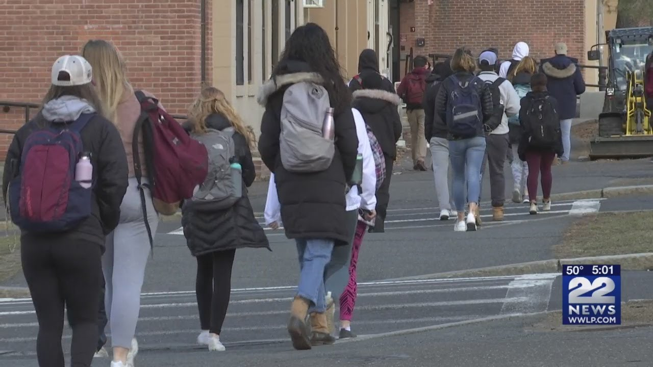 Coronavirus in Massachusetts: Amherst College cancels spring ...