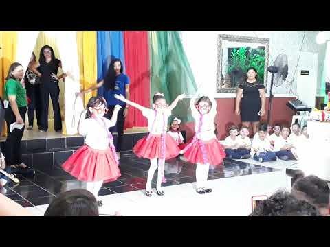 Apresentação das crianças na formatura do nível 5 - CMEI EUNICE EUGÊNIA, Macaíba RN