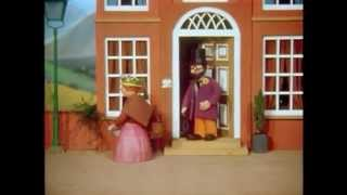 Trumptonshire Tunes: Mrs Honeyman the Village Gossip