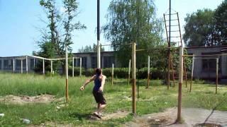 Трюки на турнике(В этом видео представлены трюки на турнике., 2010-06-19T11:22:00.000Z)