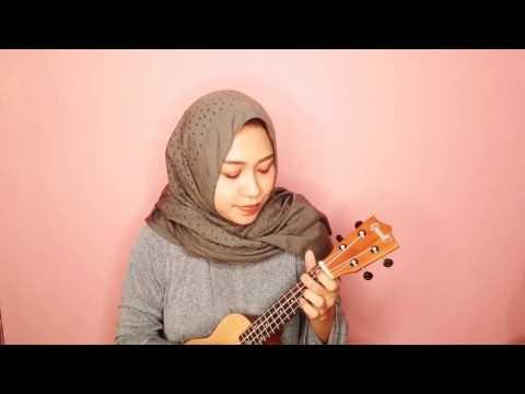 Covering It Ain't me by Selena Gomez ft kygo ukulele