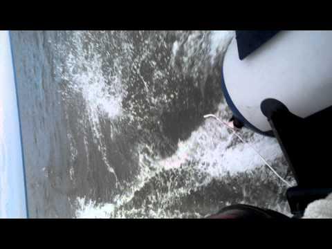 музыкальный клип с лодкой