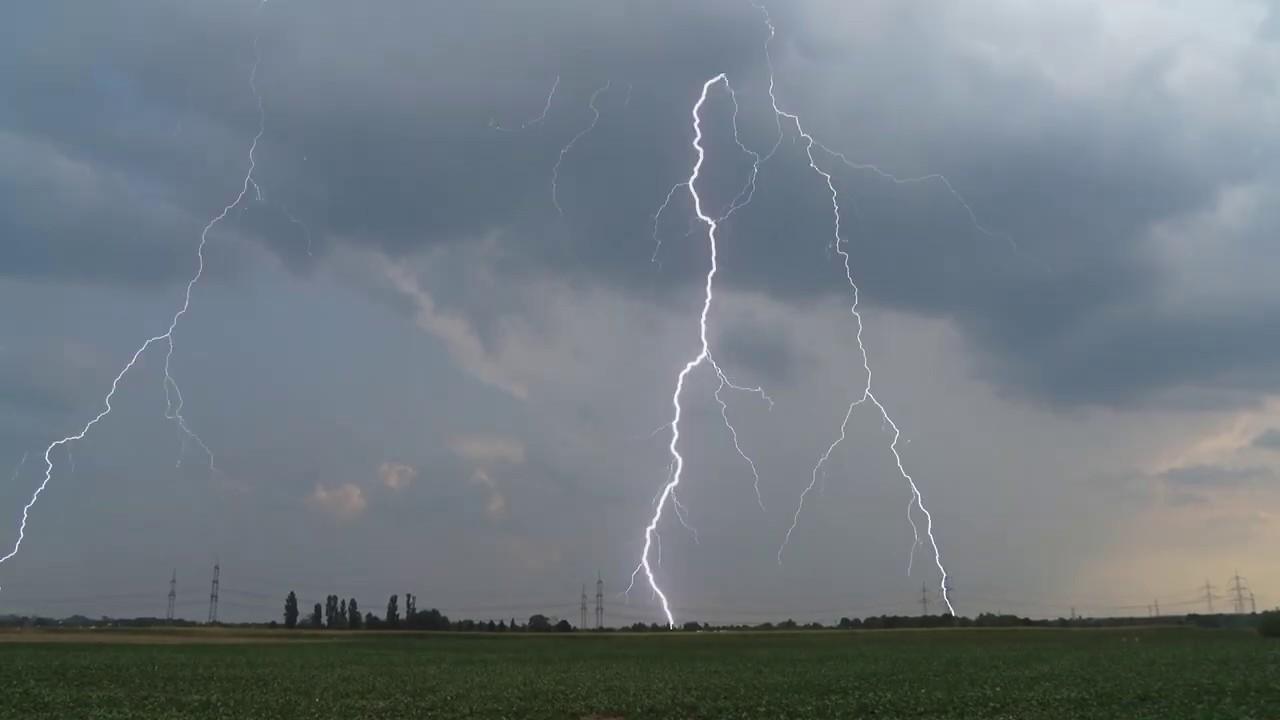 Blitze über Pulheim und Köln am 27.08.2019