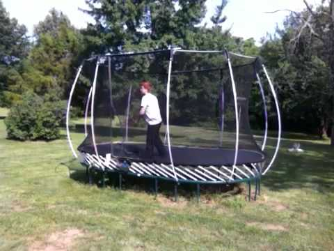 how to backflip 360 backflip full on trampoline youtube. Black Bedroom Furniture Sets. Home Design Ideas