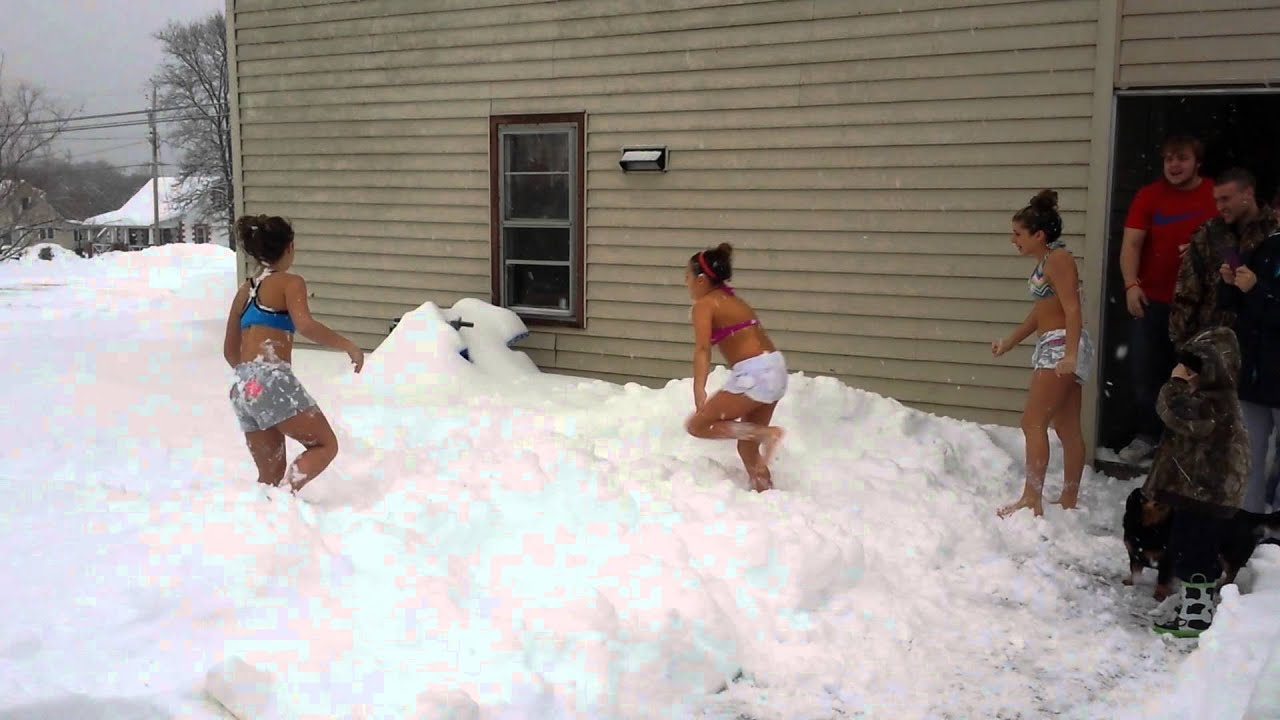 Free Snow Falling Live Wallpaper Crazy Girls Snow Challenge Youtube