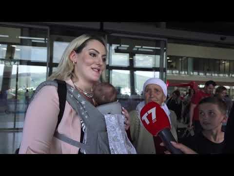"""Rubrika """"Diaspora"""" në aeroportin e Prishtinës."""