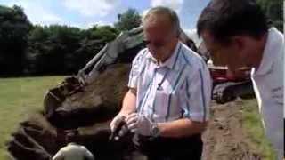 Exhumation de deux soldats Allemands à Viessoix - German soldier exhumation in Normandy