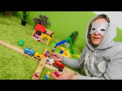 Spielzeugvideo für Kinder - In der Stadt gibts eine neue Superheldin