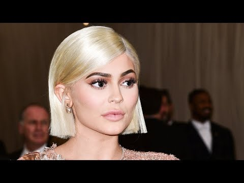 Kylie Jenner Scared Travis Scott Will Abandon Her & The Baby