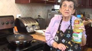 Cooking with The Bubbe - Homemade Potato Latkes