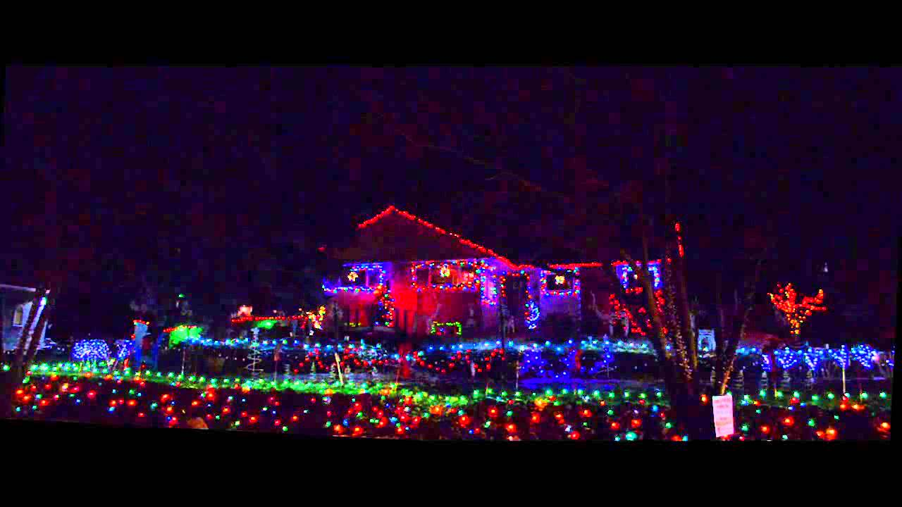 Amazing grace christmas light show house for Amazing house music