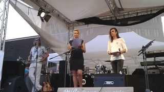 Marsili und Lea in Berlin auf dem Potsdamer Platz am 19.07.14