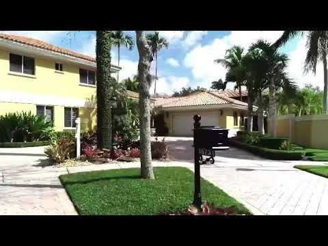 Quantum Lux Realty Listing Alert- 16731 NW 82nd CT Miami Lakes, FL 33016