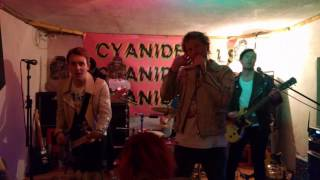 Cyanide Pills - Johnny Thunders Lived In Leeds. Live at UJZ, Peine (24/03/17)