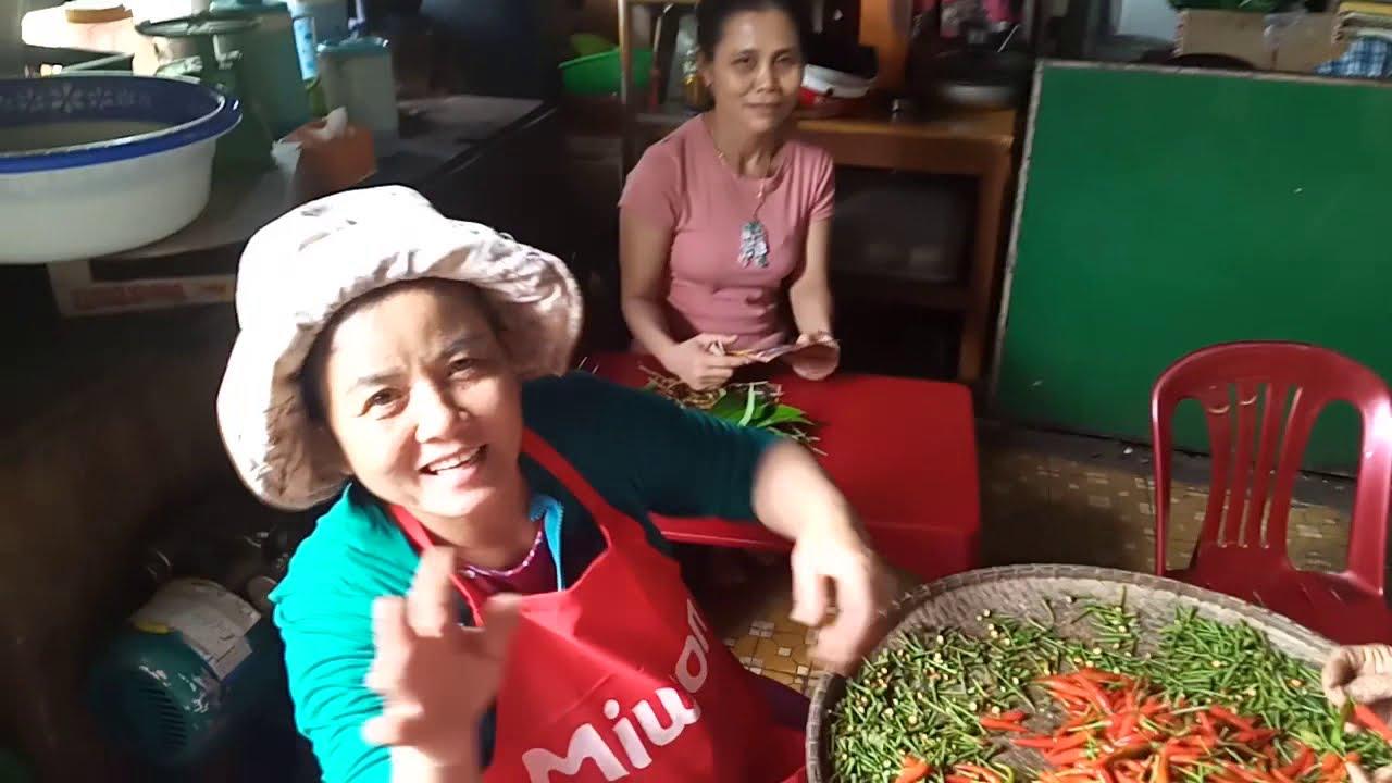 Chợ  Di Lăng . Thị Trấn Huyện Sơn Hà, Tỉnh Quảng ngãi.