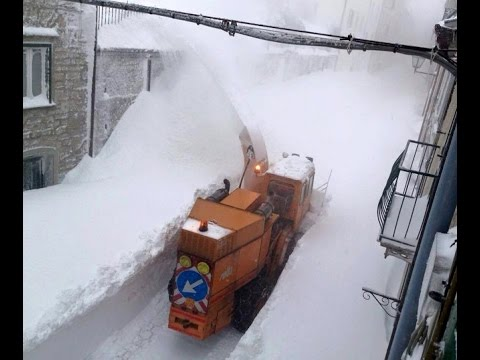 World Snow Record 8 Feet 18 Hours Southern Italy Mini