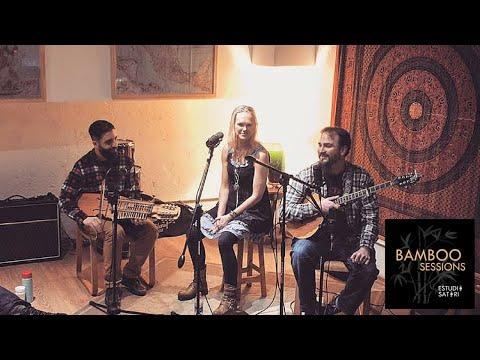 Huldreslåt - Live at Bamboo Sessions (english subtitles)