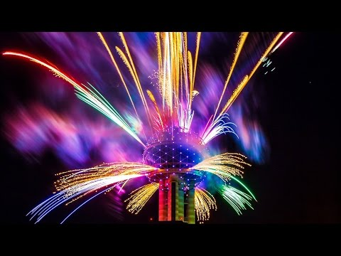 Dallas Reunion Tower 2017 New Years Fireworks Show Full