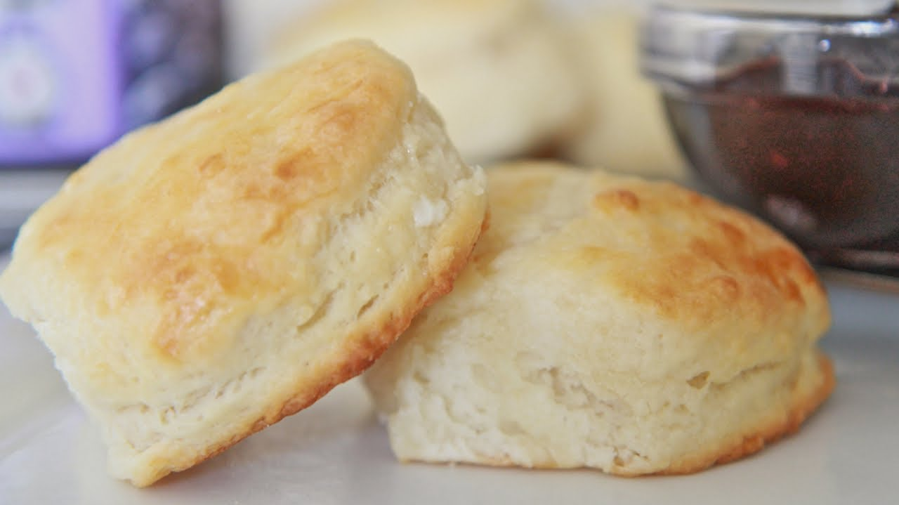 Fluffy Southern Buttermilk Biscuits Recipe Youtube