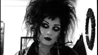 Huge Goth Hair Tutorial | Black Friday
