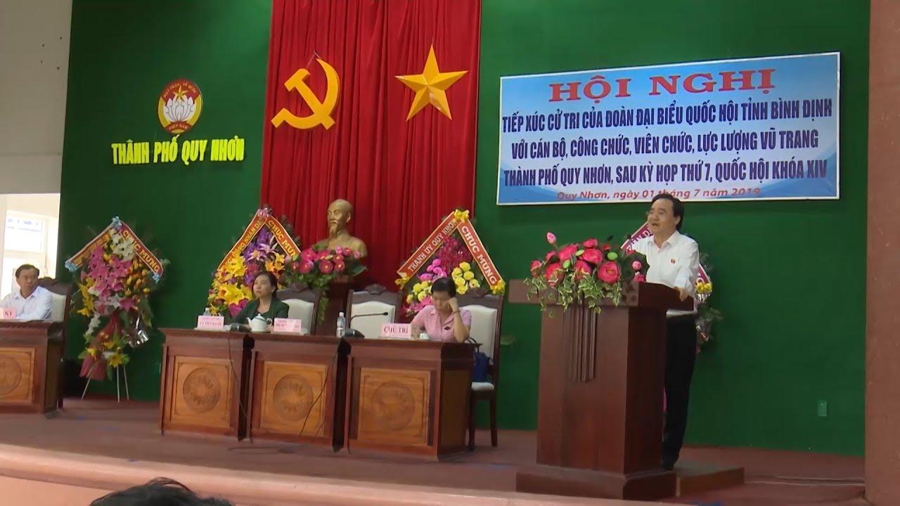 Bộ trưởng Bộ Giáo dục và Đào tạo Phùng Xuân Nhạ tiếp xúc cử tri Bình Định