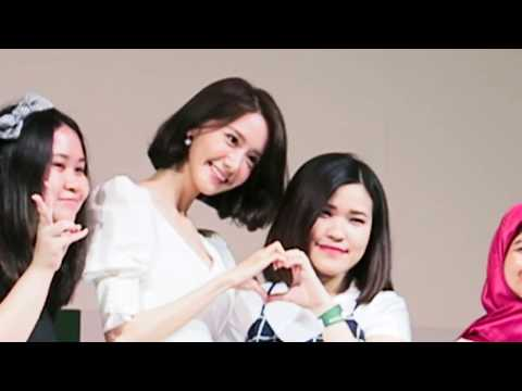 REACTIONS of seeing SNSD YOONA in REAL LIFE ! - FUNNY & SWEET Innisfree Jakarta 2017