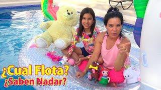 JUGUETES EN LA PISCINA, APRENDEMOS CUAL FLOTA MEJOR | AnaNana Toys