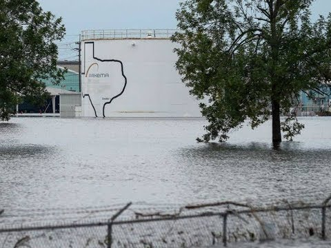 USA Harvey: Hurricane, storm, flood: Arkema chemical plant Texas: 2 explosions, billions $ loss