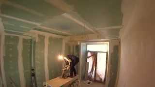 Как быстро клеить стеклохолст на потолок. How to glue fiberglass ceiling.(Малярные работы в Питере 89818328312 Роман 89627244506 Татьяна Добавляйтесь к нам в группу вконтакте http://vk.com/shpakljovka..., 2014-12-24T22:01:22.000Z)